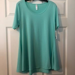 NWT Lularoe Perfect Tee size Medium